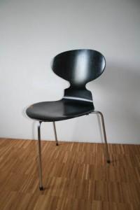 Chaise Fourmi à 3 pieds
